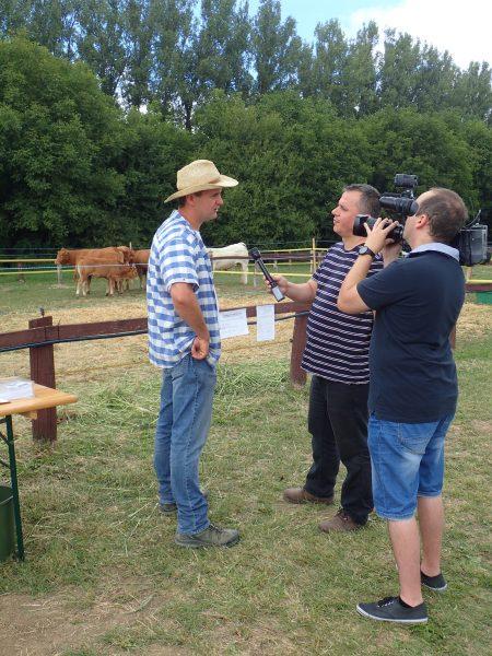 A Pécsi TV riportot vett fel velünk